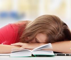 Efeitos da privação do sono durante a adolescência