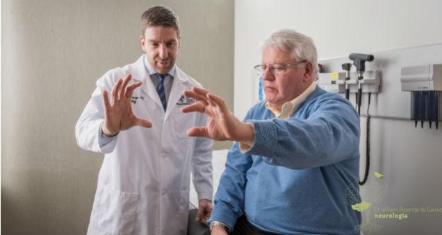 Diagnóstico Clínico e Sintomas da Doença de Parkinson