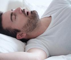 A Posição na Cama Causa Apneia do Sono?